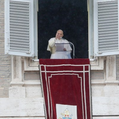 Papa Francisco lamenta los incendios que devastaron parte de Sudamérica