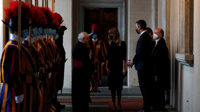 Papa Francisco se reúne con el Primer Ministro español Pedro Sánchez en el Vaticano
