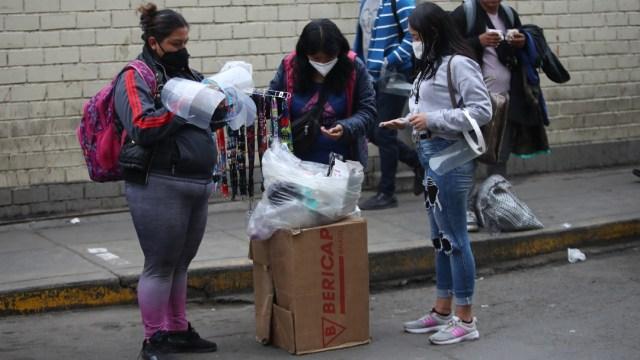 De los 32 mil 665 fallecidos por COVID-19 en Perú, 22 mil 740 eran personas de la tercera edad