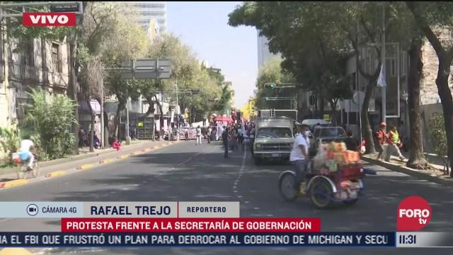 protesta frente a la secretaria de gobernacion
