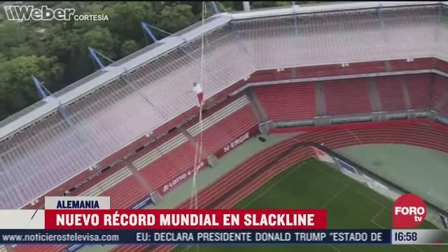 rompe record de cinta tensa a 73 metros de altura