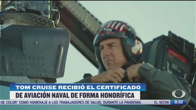 tom cruise recibe certificado de aviacion naval honorifico por su papel en top gun