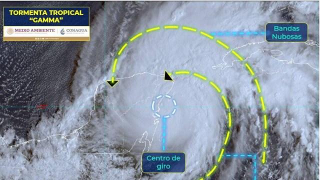 Protección Civil de Cancún informó que la tormenta tropical 'Gamma' se sitúa a 30 km al sureste de Tulum, Quintana Roo