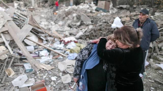 Armenia acusó a Azerbaiyán de violar la tregua humanitaria que ambos países habían acordado este sábado