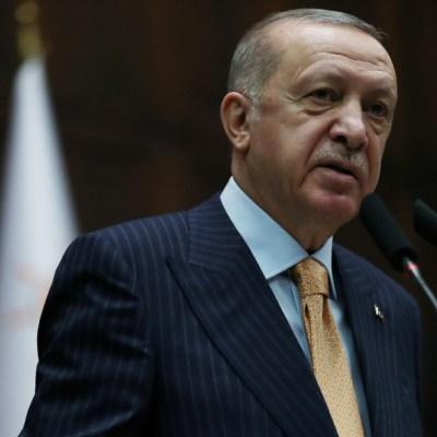 Turquía anuncia medidas legales por la caricatura de Erdogan en Charlie Hebdo