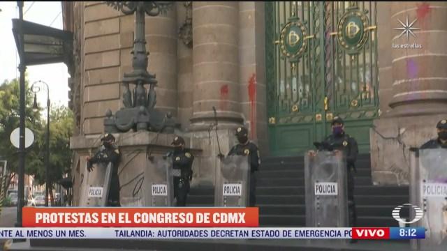 vandalizan el congreso de cdmx