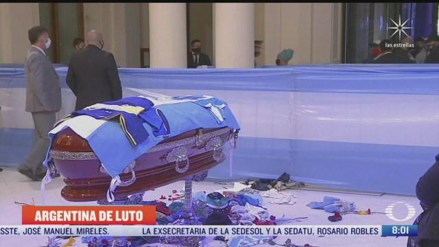 argentina llora la muerte de diego armando maradona