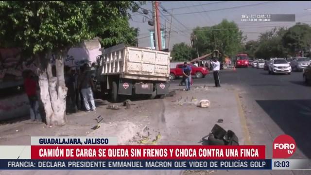 camion choca con finca en guadalajara