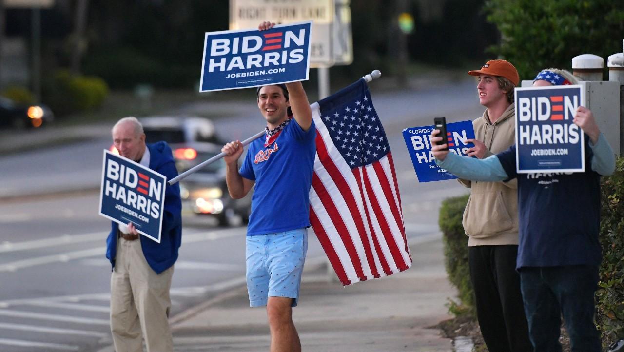 Cierran primeros centros de voto en estados clave de Florida y Georgia