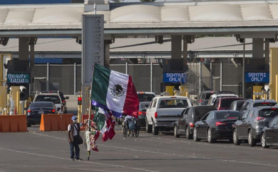 Cientos-de-personas-cruzan la frontera-para-votar-en-EEUU