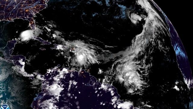 Eta se vuelve a convertir en huracán rumbo a EEUU, tras dejar 27 muertos en México