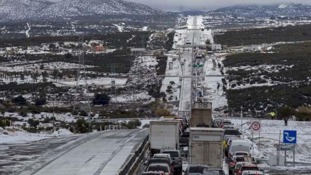 Frente frío 12 causa bajas temperaturas en Baja California, se esperan nevadas