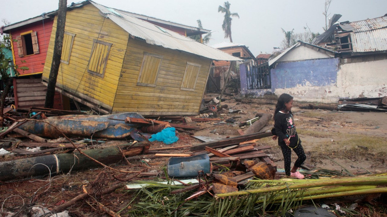 Huracán Iota azota Nicaragua y Honduras tras el paso de Eta
