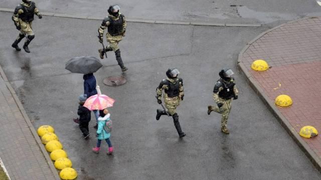 Al menos 134 manifestantes fueron detenidos este domingo en una nueva jornada de protestas contra Alexandr Lukashenko