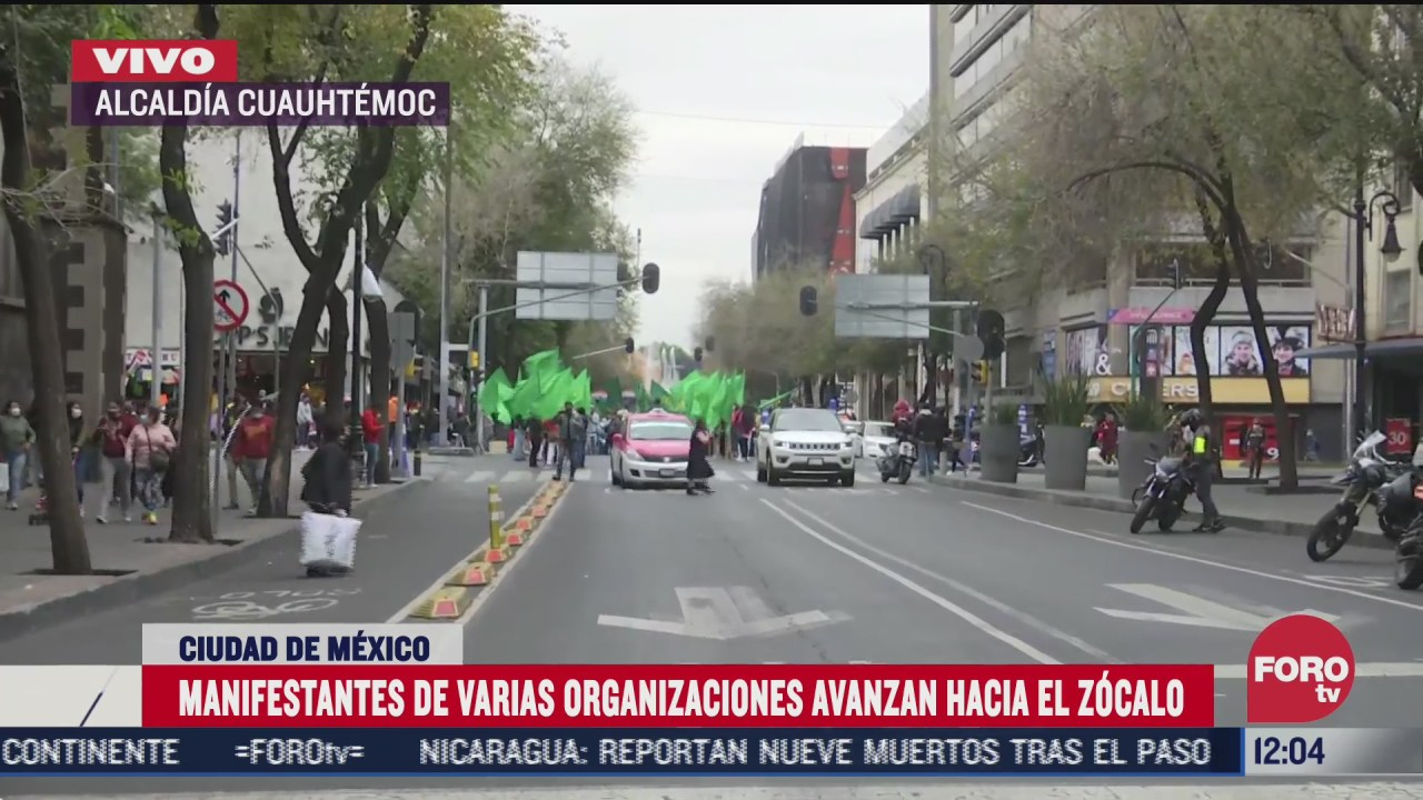 manifestantes se dirigen al zocalo de la cdmx