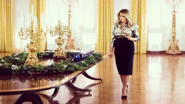 Melania Trump presenta decoración navideña de la Casa Blanca tras criticar esa labor