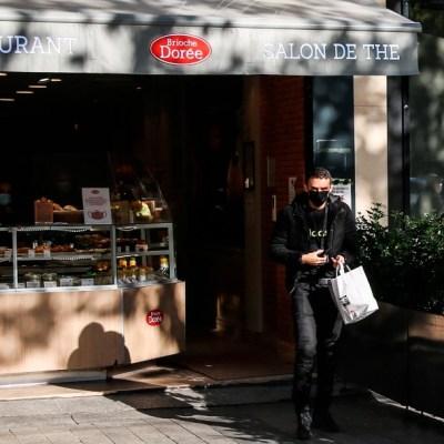 París impondrá nuevas restricciones para frenar COVID-19