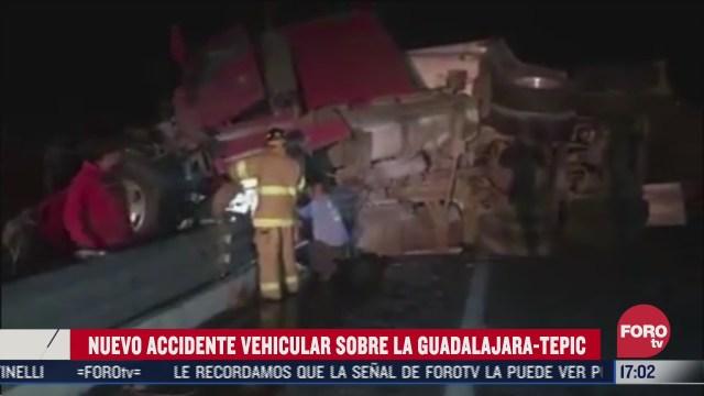 trailer choca con auto en carretera guadalajara tepic