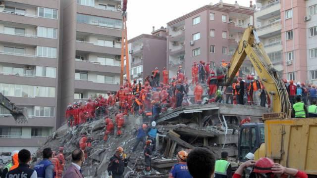 Turquía elevó a 73 los muertos tras el sismo del pasado viernes en el Egeo