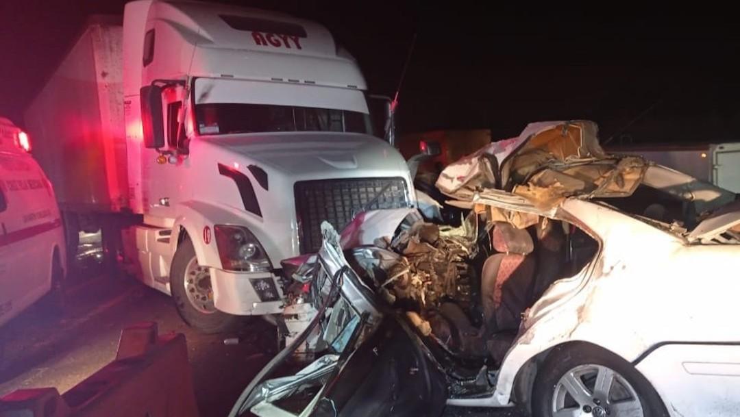 Accidente múltiple en autopista México-Puebla deja un muerto y siete lesionados