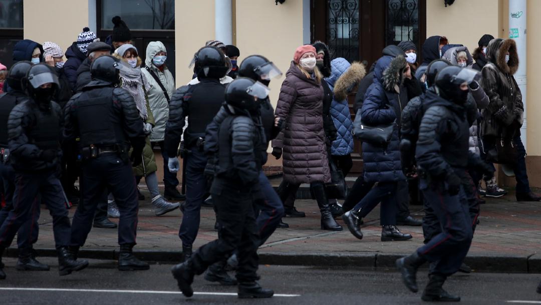 Más de 300 detenidos en Bielorrusia en nuevas protestas contra Lukashenko. (Foto: AP)