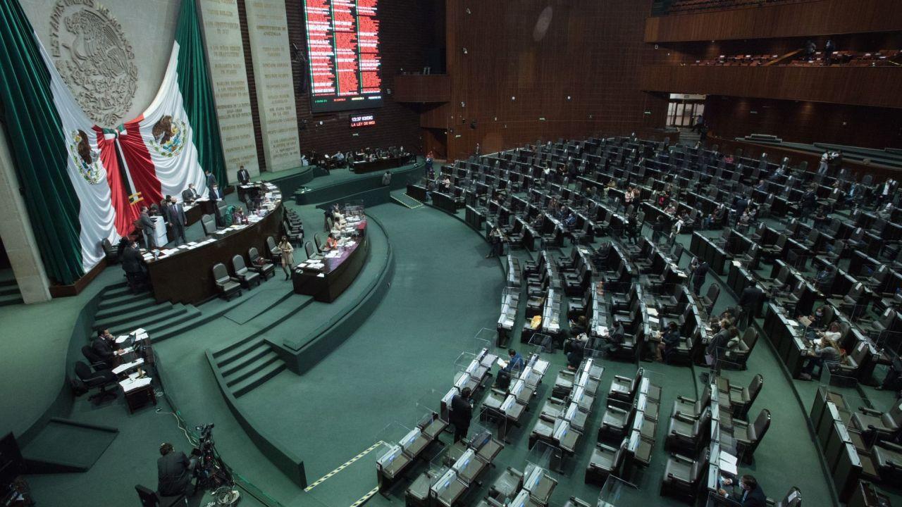 Diputados-avalan-en-comisión-iniciativa-de-pensiones