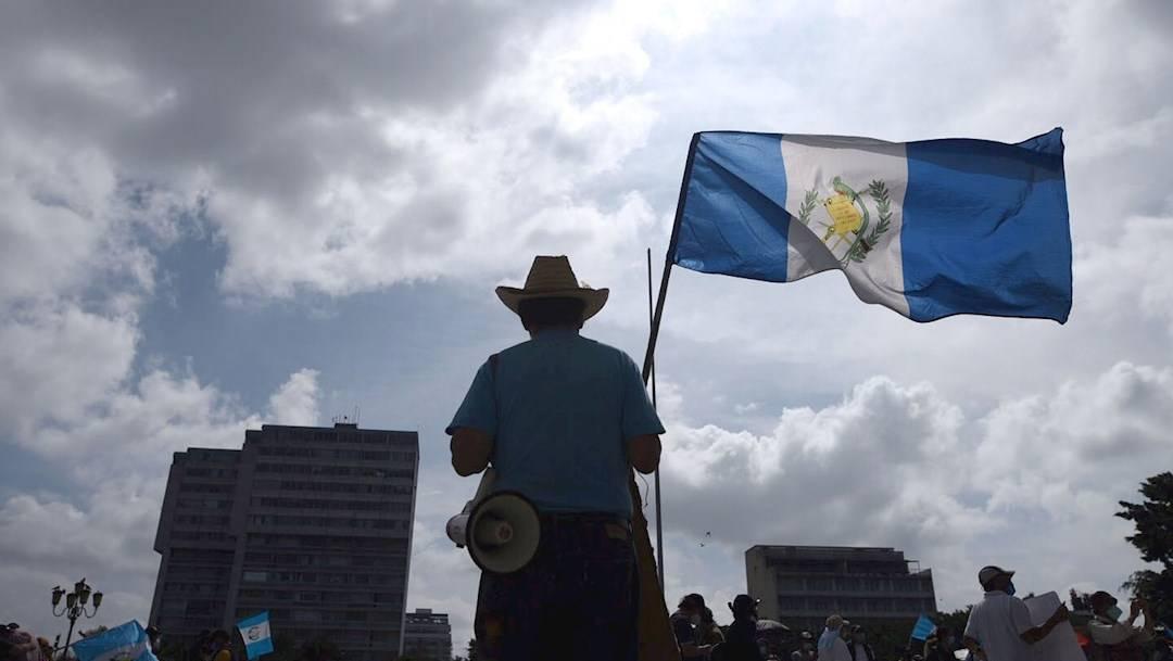 Decenas de guatemaltecos salieron por cuarto fin de semana consecutivo a pedir la renuncia de Alejandro Giammattei
