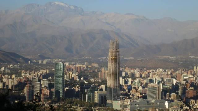 Un sismo magnitud 6.7 sacudió la zona centro y sur de Chile