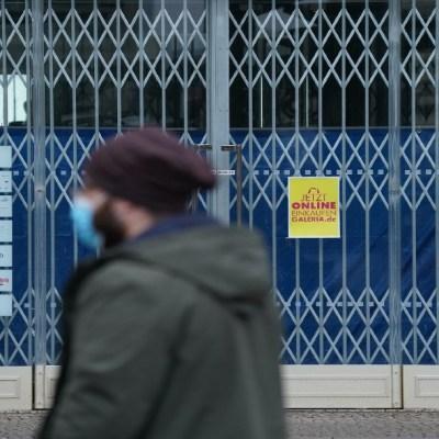 Alemania extiende confinamiento tras aumento de muertes por COVID-19