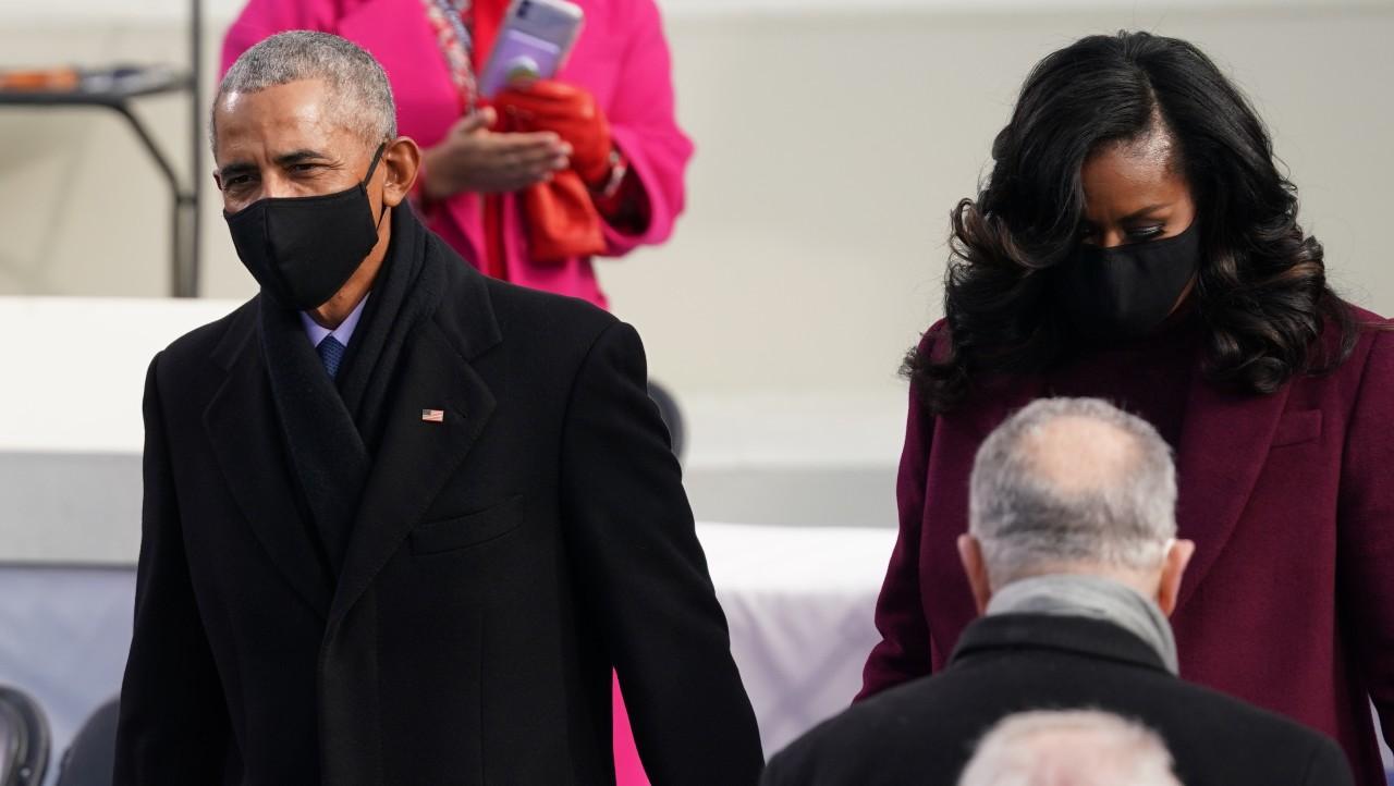 Barack Obama llega a ceremonia de juramentación de Biden