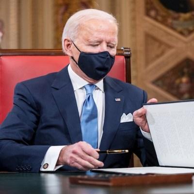 Biden firma órdenesejecutivas para devolver a EEUU al Acuerdo de París y evitar su salida de la OMS