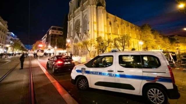 Detienen a nueve personas por brutal golpiza a adolescente en París