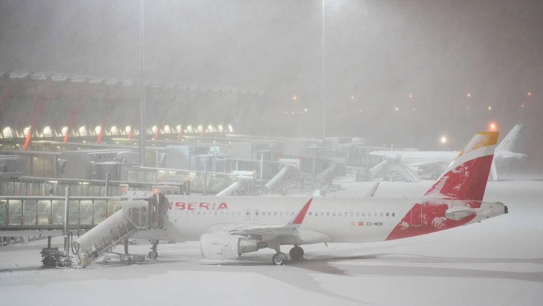 El aeropuerto de Barajas paraliza su actividad el sábado por temporal de nieve