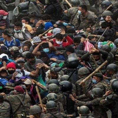 Guatemala dispersa a más de 2 mil migrantes hondureños