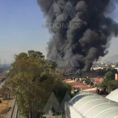 Incendio en fábrica de colchones