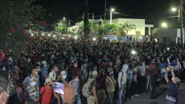 Ingresa a Guatemala caravana migrante de hondureños