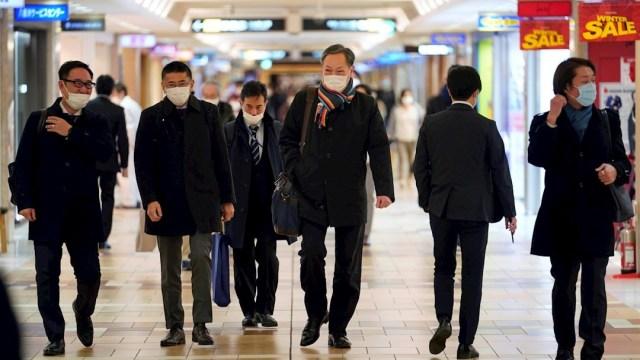Japón encuentra nueva variante de COVID-19 en viajeros procedentes de Brasil