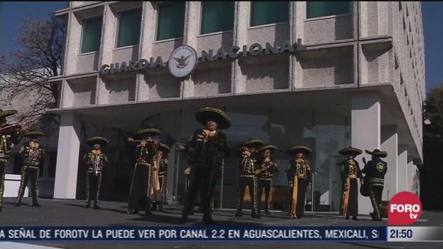mariachis de la guardia nacional llevan su musica a toda la nacion