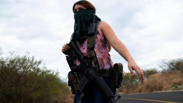 Un grupo conformado por mujeres se defiende de la incursión del CJNG