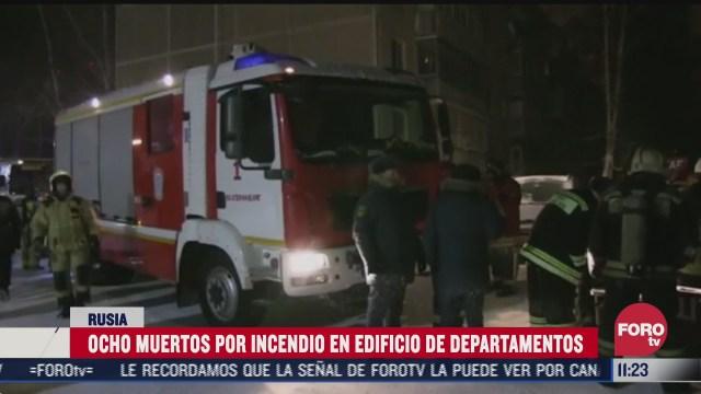 ocho muertos por incendio en edificio de departamentos en rusia