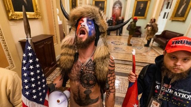¿Qué ocurrió en el Capitolio_, así empezó la irrupción violenta en Washington.