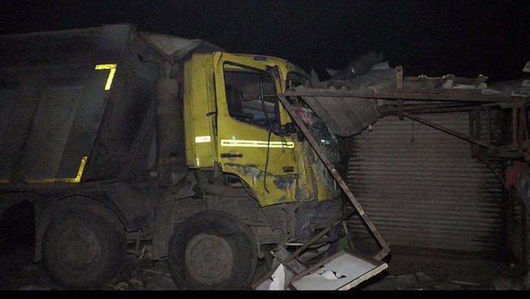 Un camión mata a 15 personas dormidas al borde de una ruta en India