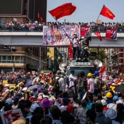 Al menos hay 8 muertos por represión policial en Myanmar
