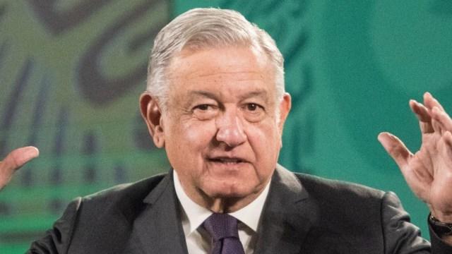 AMLO anuncia nuevo decreto para reducir impuestos a Pemex