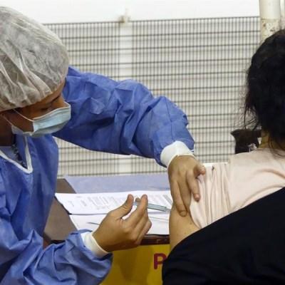 Vacunas-de-Moderna-y-Pfizer-menos-eficaces-contra-variantes