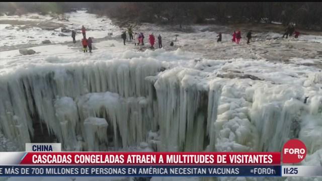 cascadas congeladas en china atraen a visitantes