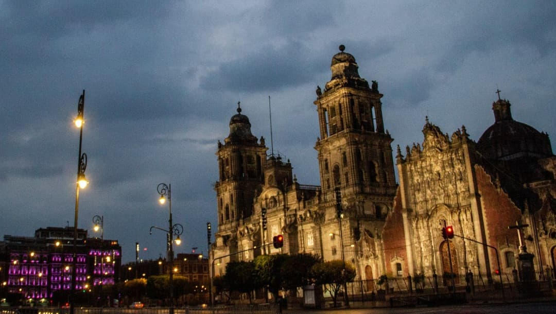 Lanzan campaña para salvar a la Catedral Metropolitana