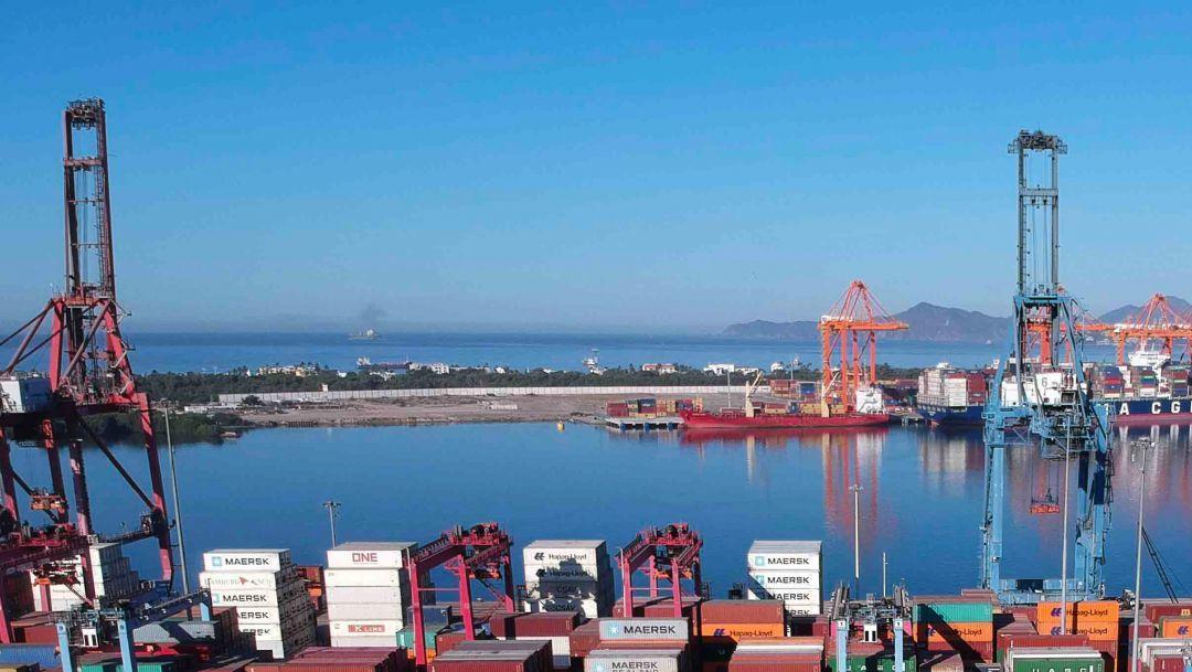 Llega a México buque con gas natural para aliviar escasez tras crisis en Texas