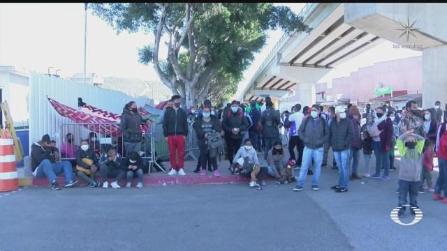 migrantes en tijuana esperan en el chaparral inicio de tramites de asilo