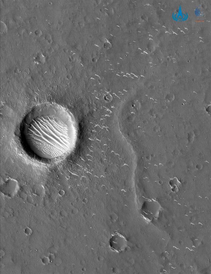 Aspectos de Marte capturados por la sonda Tianwen-1. (EFE)